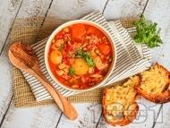Испанска пилешка яхния със зеленчуци - картофи, печени чушки и грах в Slow Cooker